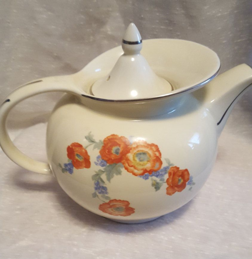 Vintage Hall Kitchenware Red Poppy Radiance Design Tea Pot And Lid With  Gold Trim By Craftycreationsbycw