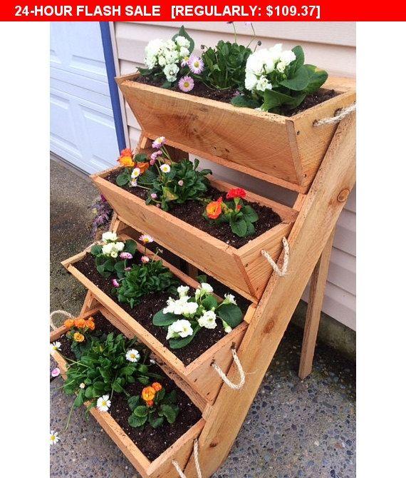 24 Fantastic Backyard Vegetable Garden Ideas: Garden Sculpture Cedar Wood Wall Planter Succulent