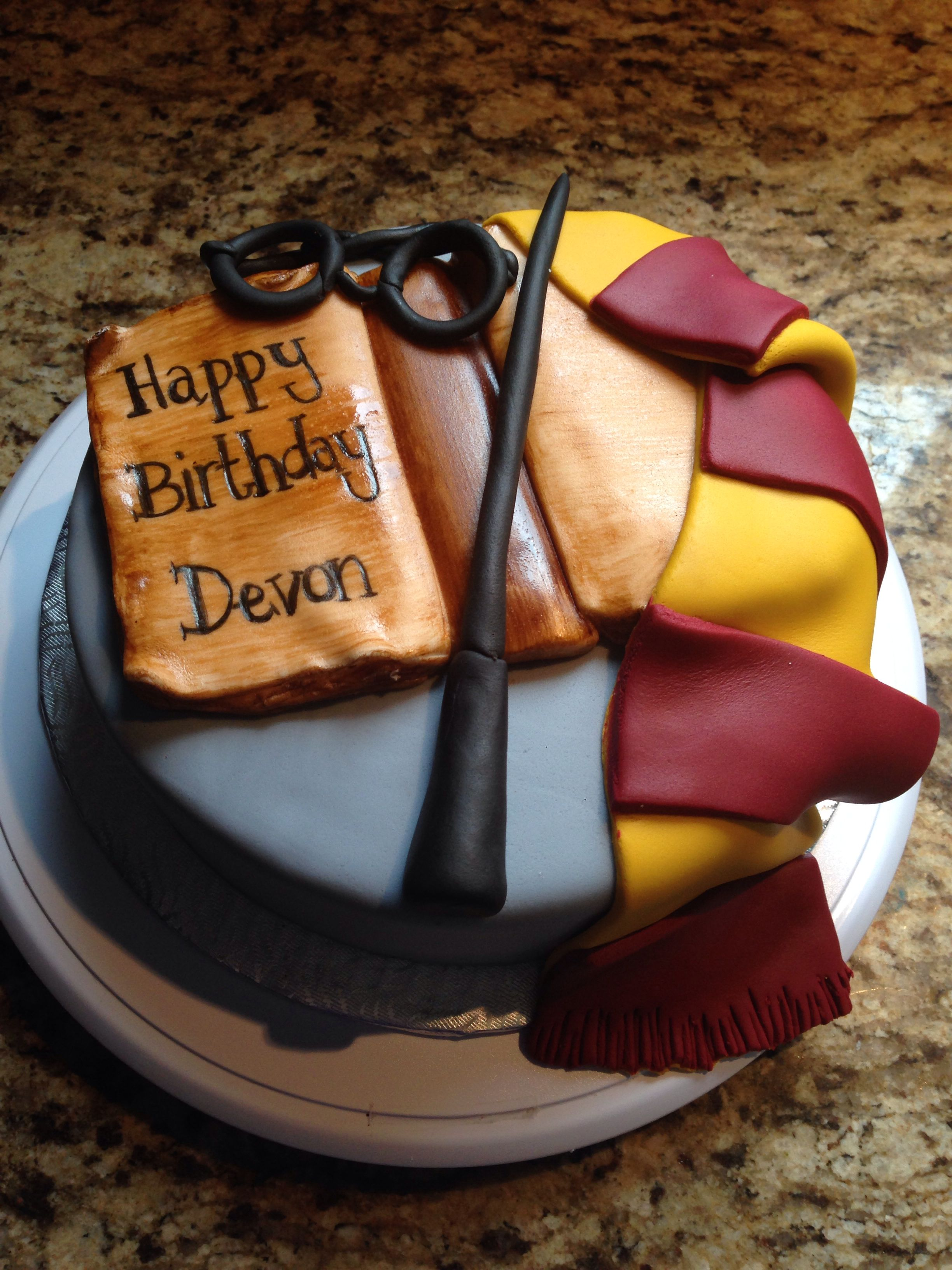 Pin By Vanessa On My Cakes Harry Potter Birthday Cake Harry Potter Birthday Harry Potter Cake