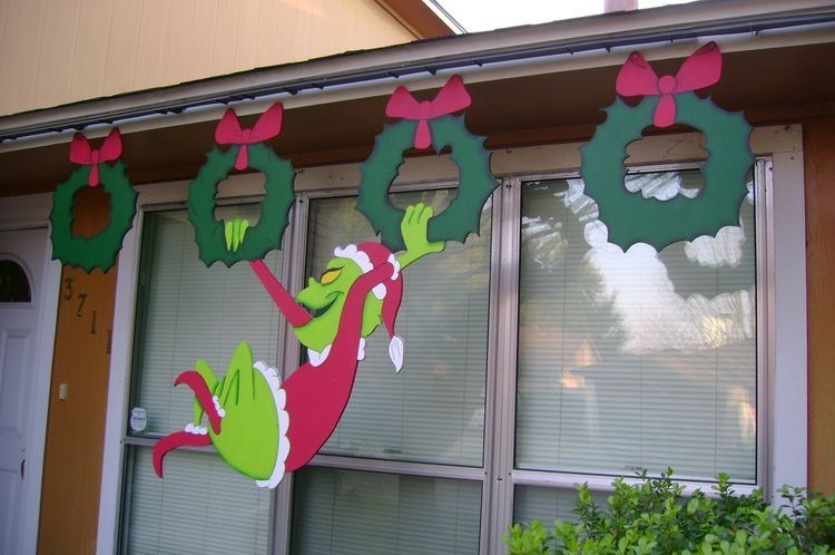 Swinging Grinch Wooden Christmas House Decor