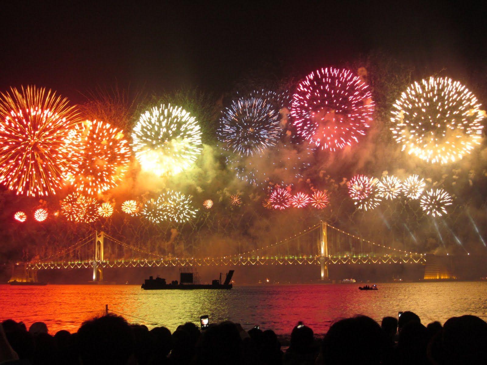 Niagara Falls Ontario Canada Fireworks, New years eve