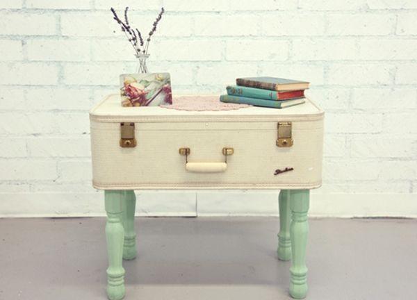 alter Koffer Tisch bauen Holzbeine grün Shabby Chic DIY - wohnzimmertisch shabby chic