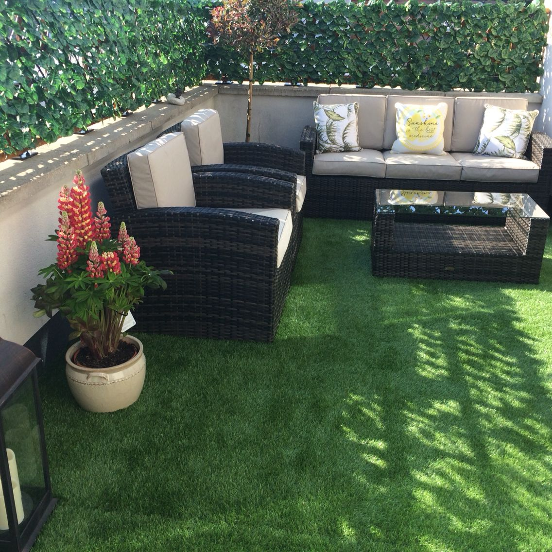 Roof terrace with artificial grass Green roof, Green