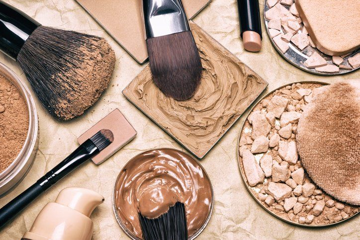 12 Best Natural, Organic & Non-Toxic Makeup Brands #organicmakeup
