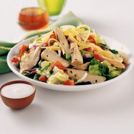 Chicken Fajita Salad (recipe found here: http://www.tyson.com/Meal-Ideas-And-Recipes/Chicken-Fajita-Salad.aspx) :: This month I'm partnering with Tyson Foods to share a few recipes and spread the word about Tyson Project A+™. Ad: Help your school with every bite through the #TysonProjectAPlus program. Simply save participating product labels to redeem for cash! Enroll your school at http://projectaplus.tyson.com/?cmpid=DV_Pinterest