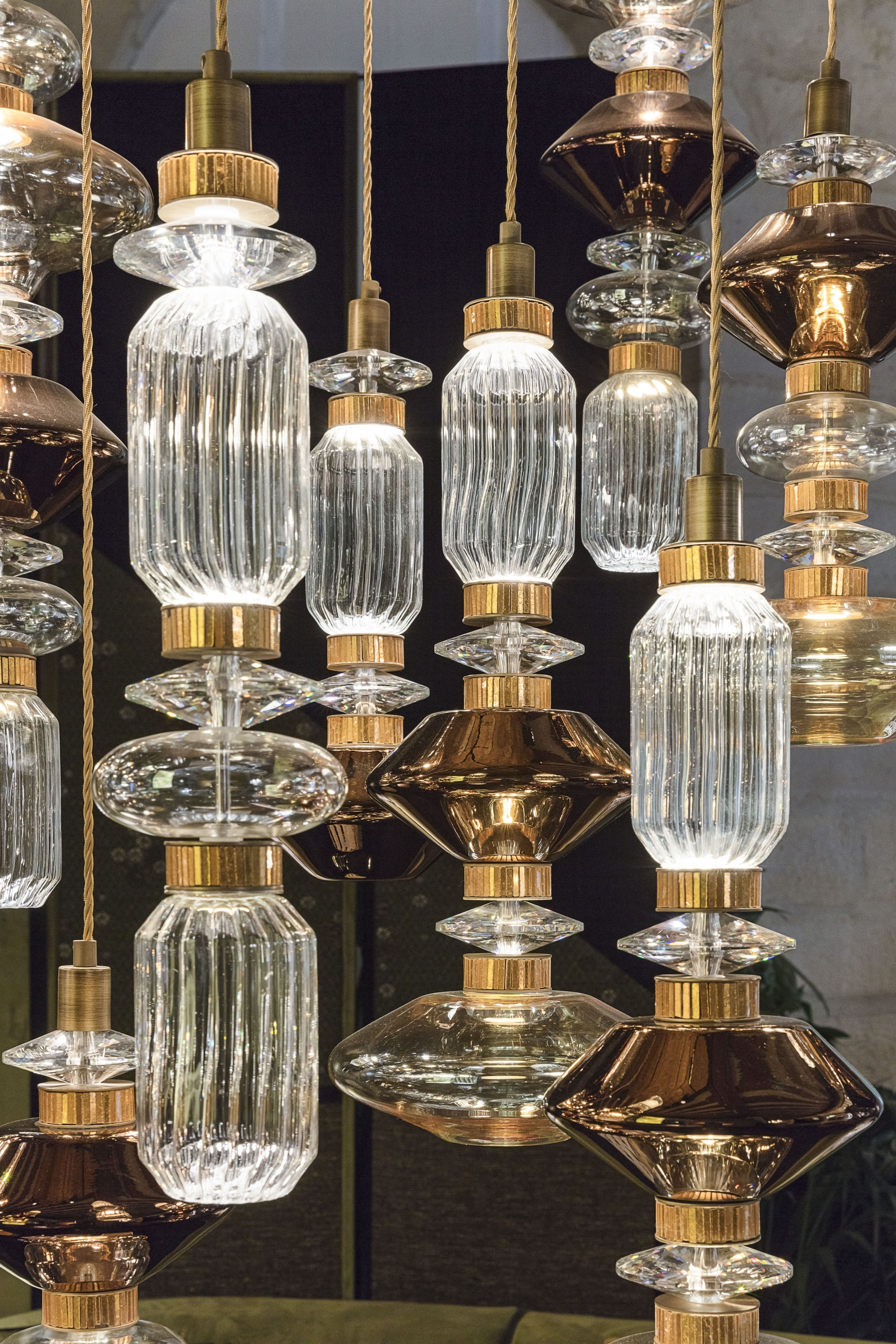 A versatile light of irresistible beauty, a ceiling lamp in ...