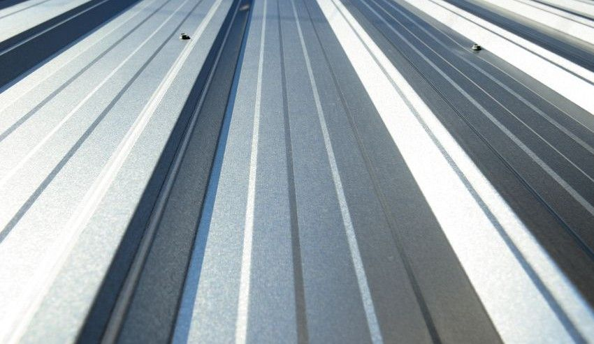 Top Benefits Of Metal Roofing It Happens To Every Homeowner At Some Point Your Roof Begins To Wear Out And You Roofing Metal Roof Types Of Roofing Materials