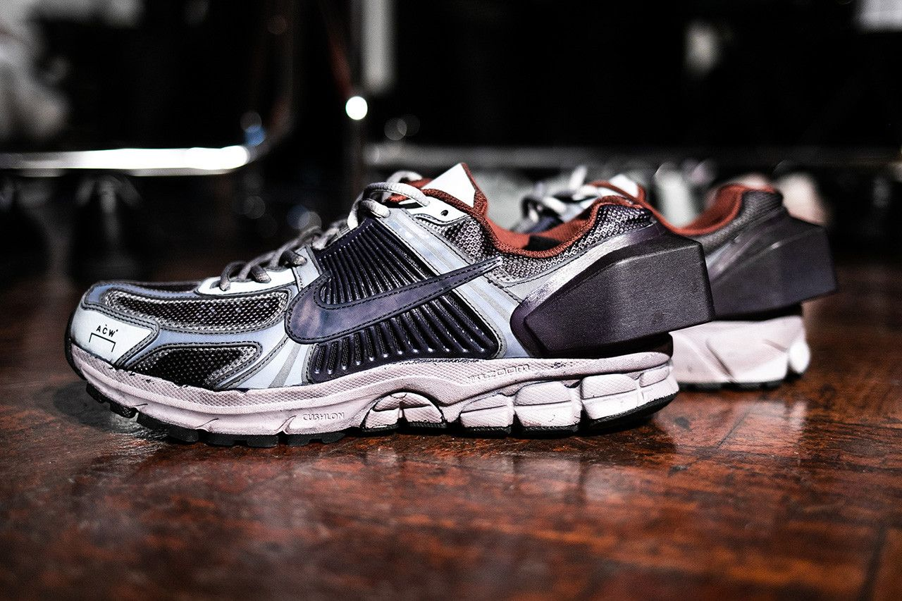 92215b6a11216 A-COLD-WALL  x Nike Zoom Vomero 5 Closer First Look Shoes Trainers Kicks  Sneakers Footwear Cop Purchase Buy Backstage London Show Fashion Week Mens  FW19 ...