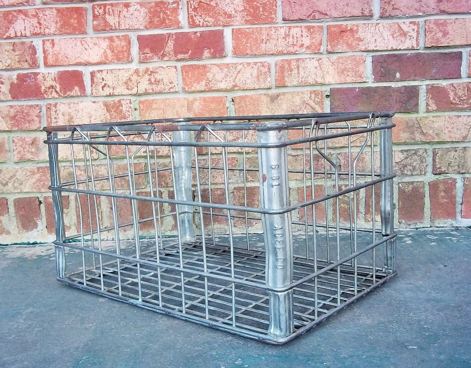 Wire Milk Crate, Large 18.5\