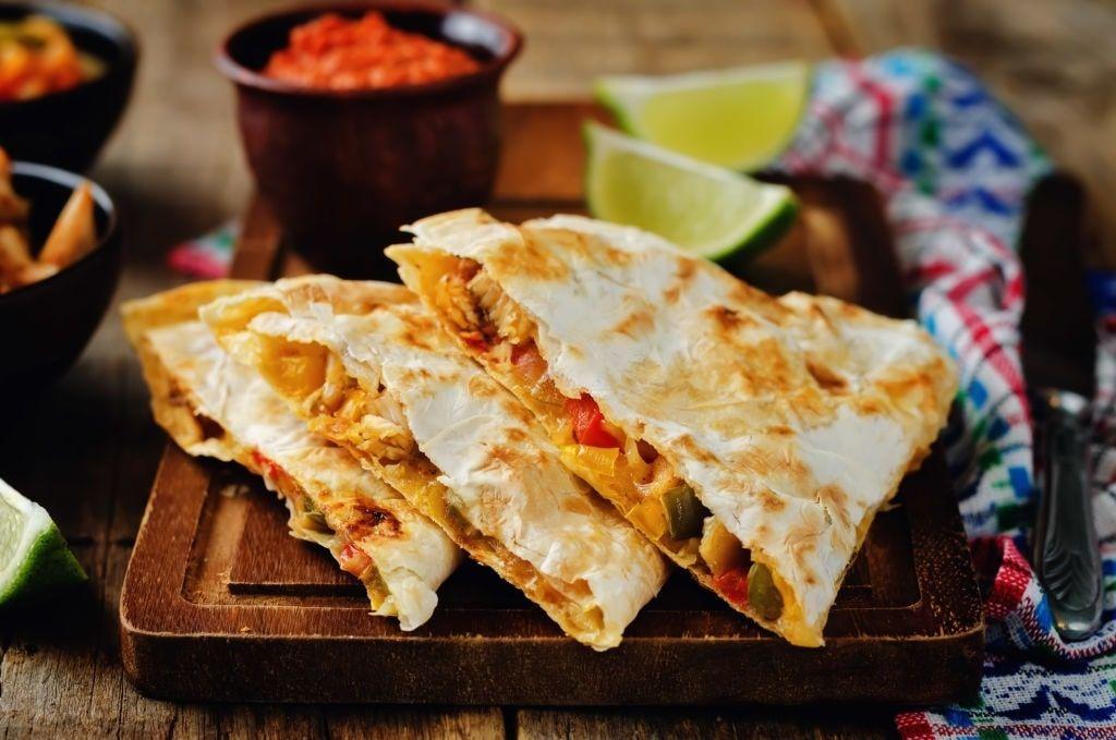 Chicken Quesadillas Easy Mexican Chicken Quesadilla Recipe Recipes Chicken Quesadillas Quesadilla