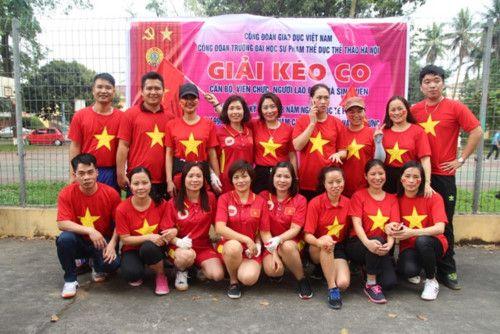 áo cờ đỏ sao vàng trường Đại Học Sư Phạm TDTT - Hình 1