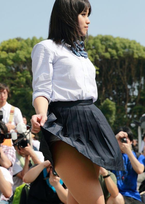 かざり 美少女コスプレイヤーの制服パンチラ 画像6枚 3