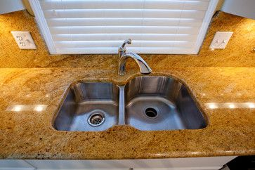 gold granite countertops with alderwood cabinets | Madura Gold Granite and White  Cabinets | Ideas for the House |