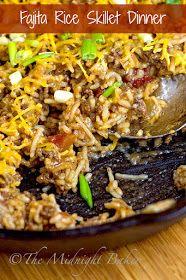 Fajita Rice Skillet Dinner  bakeatmidnite.com   #30MinuteMeals, #FajitaSeasoning #GroundBeef #Rice