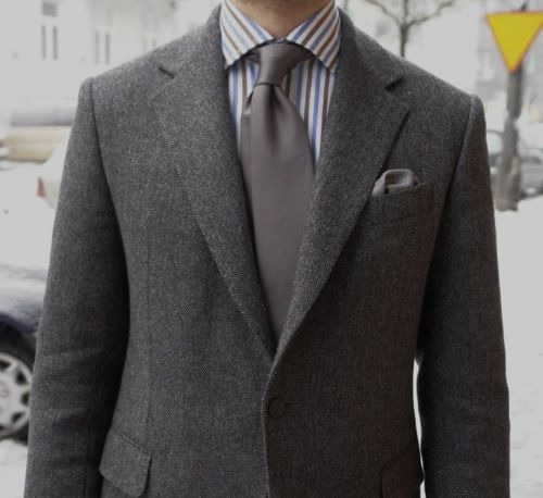 Color Combo Perfection. Wide Tie... not so much.