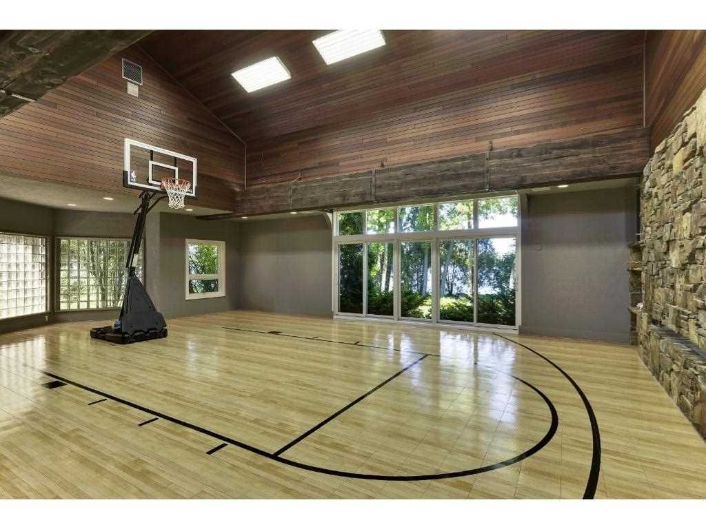 Mls 4798555 90 Clay Cliffe Drive Tonka Bay Mn 55331 Home For Sale Photo 18 Indoor Hot Tub Home Basketball Court Basketball Room