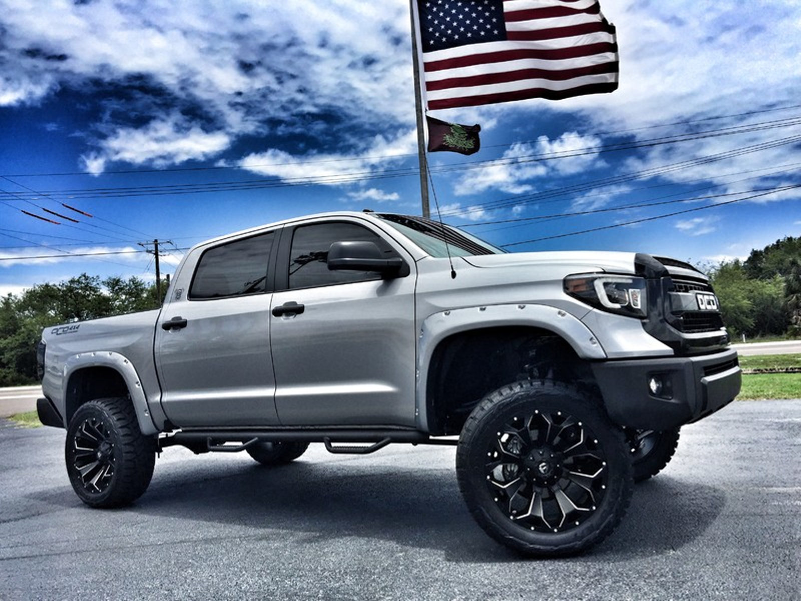 cool awesome 2017 toyota tundra custom lifted leather crewmax 4x4 v8 custom lifted crewmax 4x4. Black Bedroom Furniture Sets. Home Design Ideas