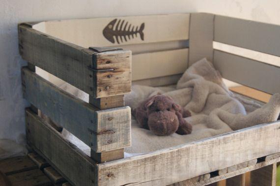 panier r tro vintage pour petit chien ou chat motif ar tes de poisson meubles pinterest. Black Bedroom Furniture Sets. Home Design Ideas