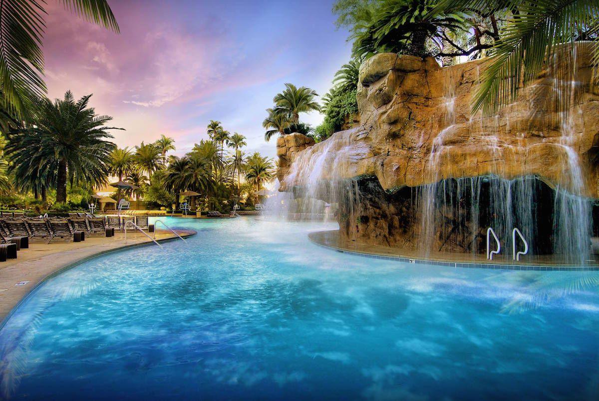 Top 20 Las Vegas Resort Pools Part 1 Las Vegas Resorts Vegas Pools Best Pools In Vegas