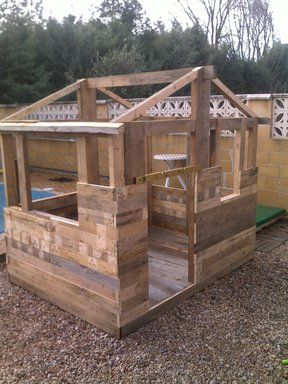 Casita infantil de jard n hecha con palets te encantar for Casas para jardin infantil