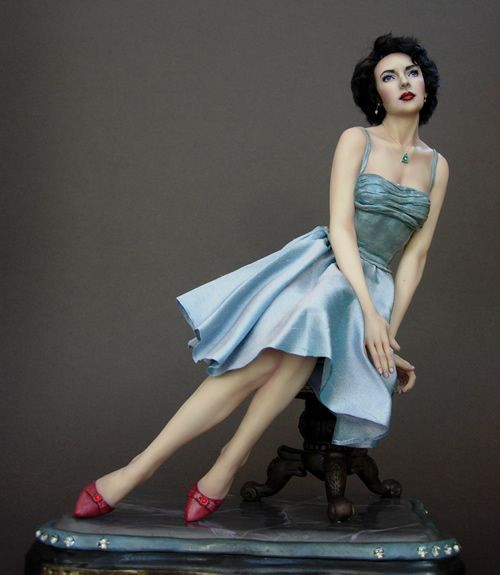 Elizabeth Taylor por Renata Jansen Uma de pinturas tipo OOAK 3D em Argila - Polymer Esculturas