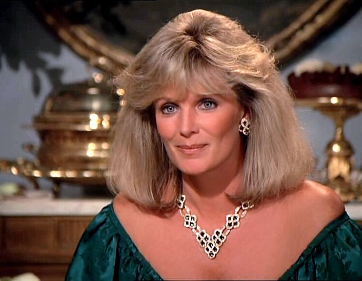 krystle carrington portrait und gro aufnahmen 2 3 der denver clan dynasty style. Black Bedroom Furniture Sets. Home Design Ideas