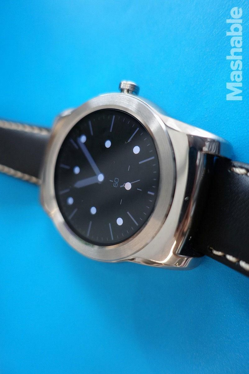 6 things Android Wear smartwatches can do that the Apple