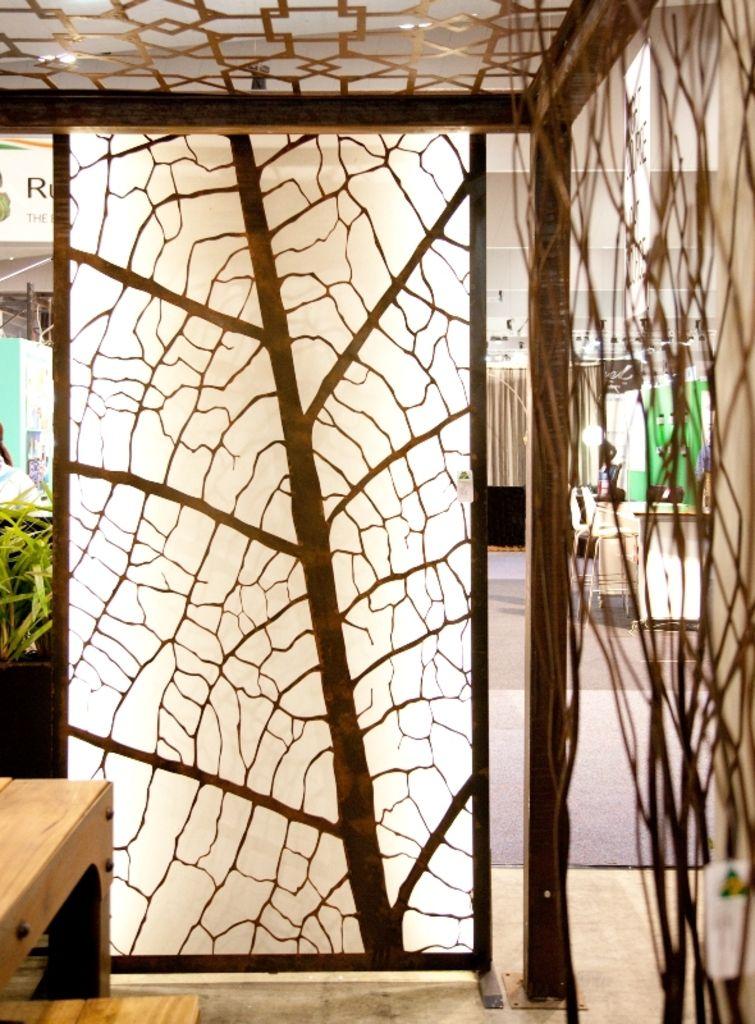 Backlit Leaf Vein Panel Attached Via 50mm Wall Mounted Feet Garden Screening Modern Wall Decals Outdoor Metal Wall Art