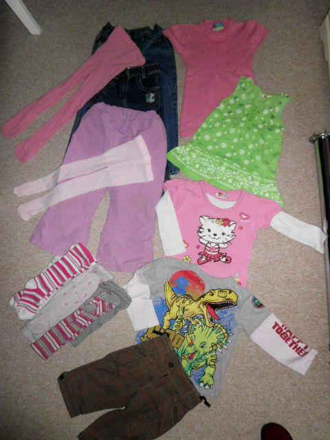 Mädchenkleidung   Größe  98 - 104 ___ 13 Teile