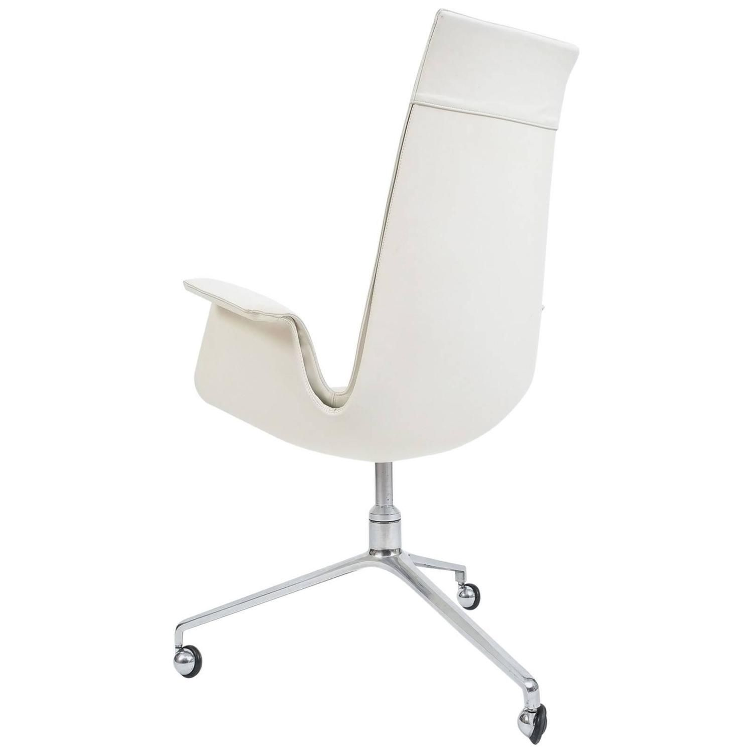 Fantastic Two White High Back Tulip Chairs By Preben Fabricius And Home Remodeling Inspirations Basidirectenergyitoicom