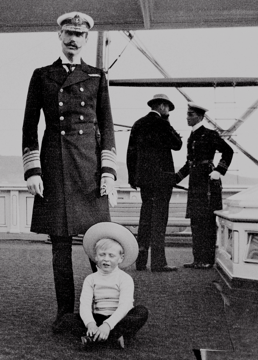 Misshonoriaglossop King Haakon VII Of Norway 1872 1957 And His Son