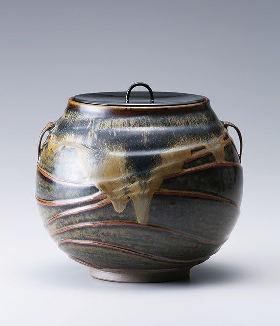 Miraku Kamei Water Container Mizusashi With Wave Decoration In Raised Relief And Lacquer Lid Stoneware Colorful Pottery Pottery Pots Contemporary Pottery