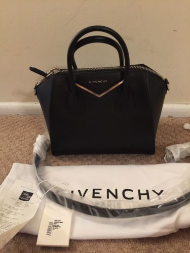 #Trending - NWT Givenchy Antigona Small Leather & Metal Satchel https://t.co/CjyeCaMz3F #Ebay https://t.co/uT2FZ5mgC1