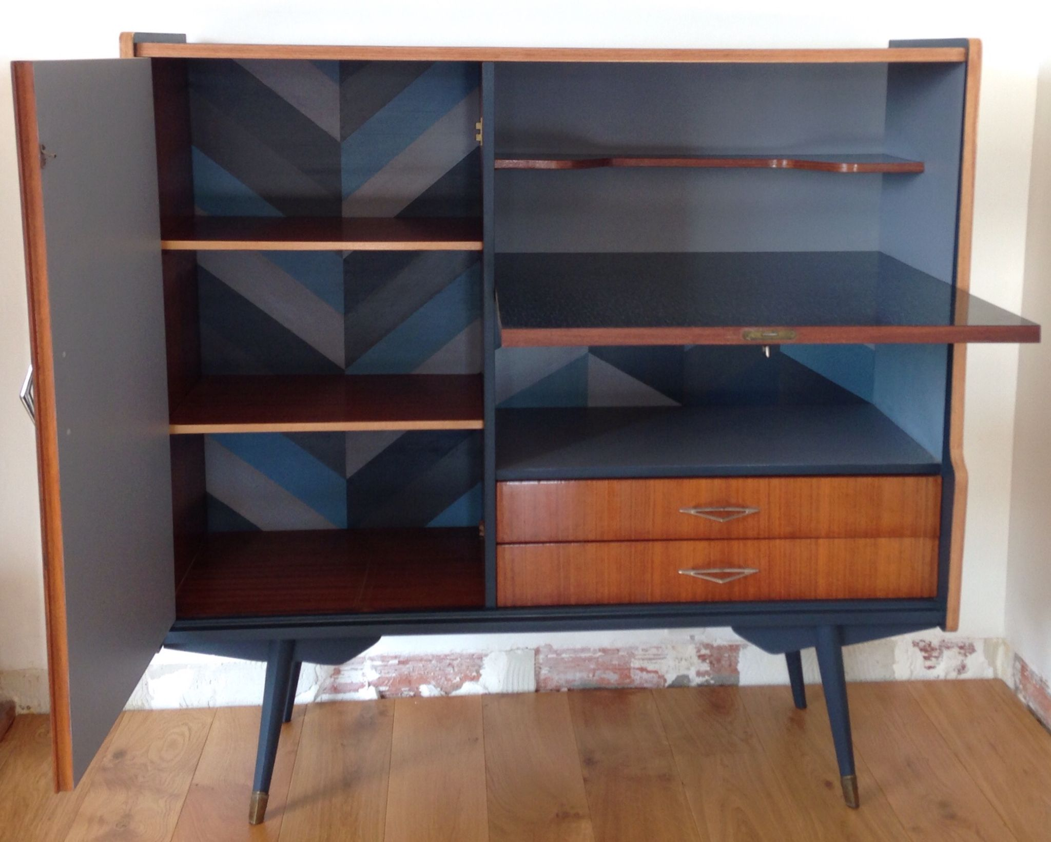 meuble de rangement mini bar meubles r nov s vintage 50. Black Bedroom Furniture Sets. Home Design Ideas