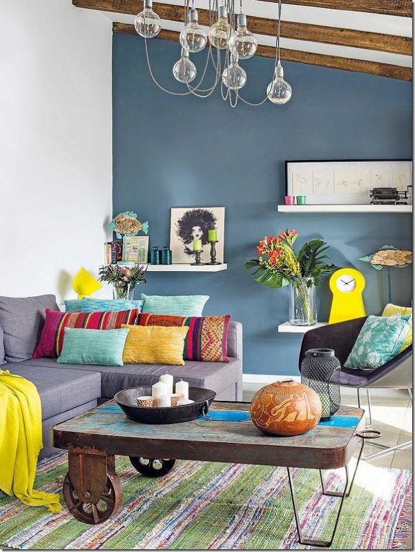 Case e interni piccoli spazi attico colorato in spagna for Interni colorati casa