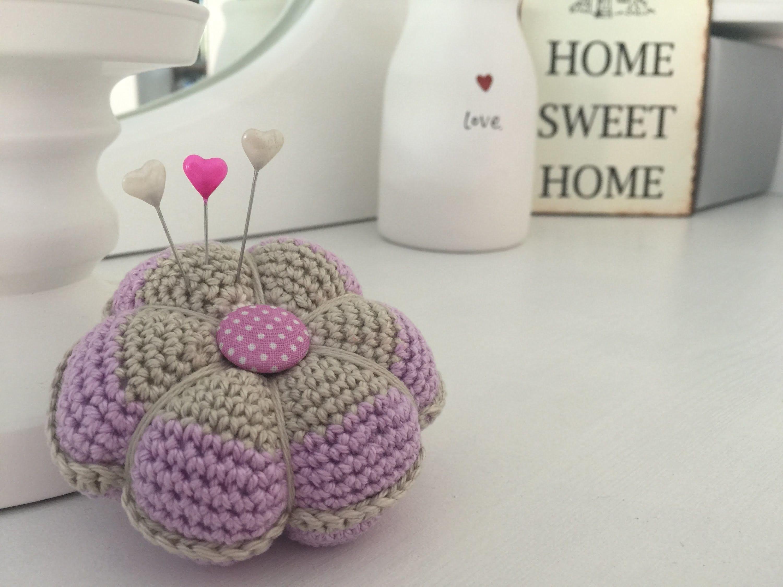 Häkeln: Nadelkissen klassisch - Crochet: Pin cushion classic ...