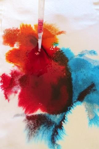 What's the most interesting surface or texture your child has worked with? Here are four fabric art ideas for kids - a great springboard to creativity for young children.