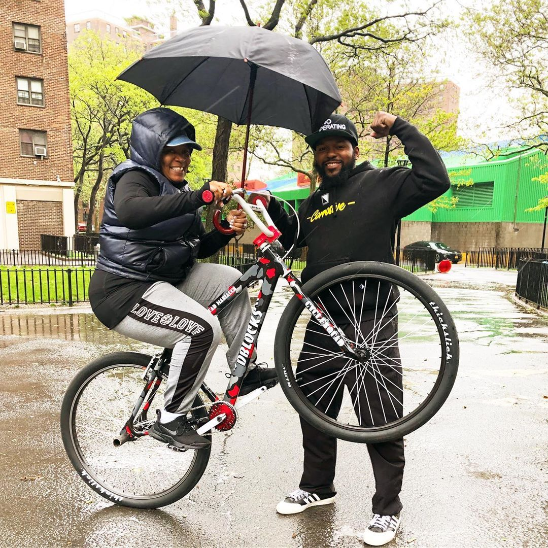 Happy Mother S Day To The Best Mother In The World What Rain She One Handing On You Bicicletas