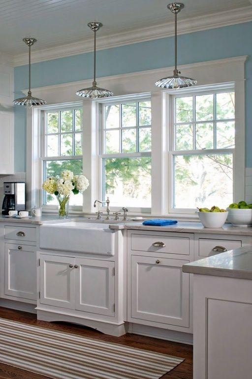 Cottage kitchen with hardwood floors white backsplash l for Cottage kitchen floor