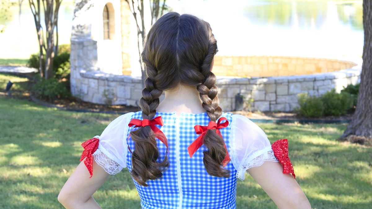 Dorothy Braids The Wizard Of Oz Halloween Hair Girl Hairstyles Hair Styles