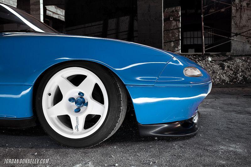Compomotive MO wheels on Slammed NA Mazda Miata 04 Miata