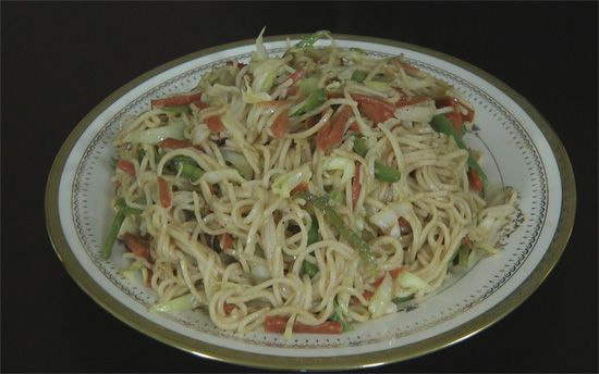 Veg chow mein recipe in hindi cooking ideas pinterest chow chow mein recipe vegetable chow mein stir fried chow mein recipe video in hindi how to make vegetable chowmein forumfinder Choice Image