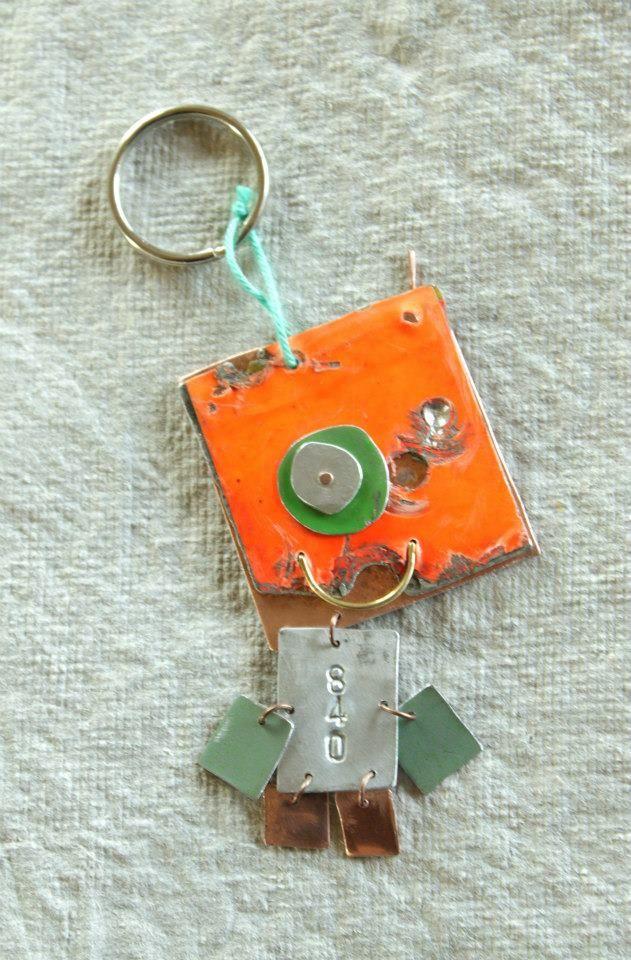 Smykker og nøgleringe af skrot metal. Kom på kursus i 2014 gennem Danmarks Håndarbejdslærerforening