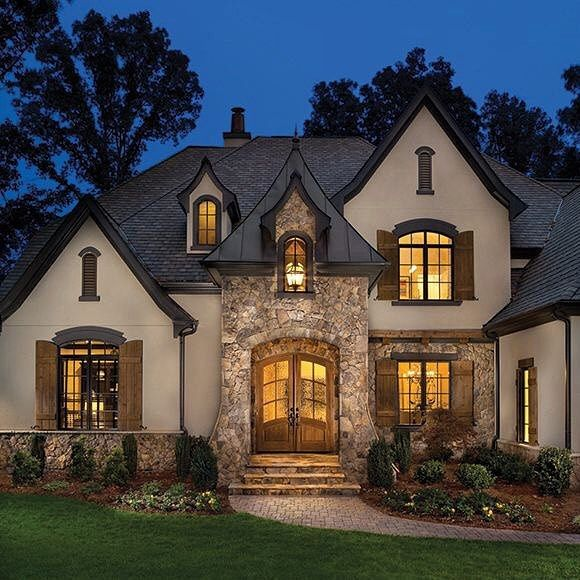 Luxury Brick Homes: Pin By Candace White On Red Brick And Stucco