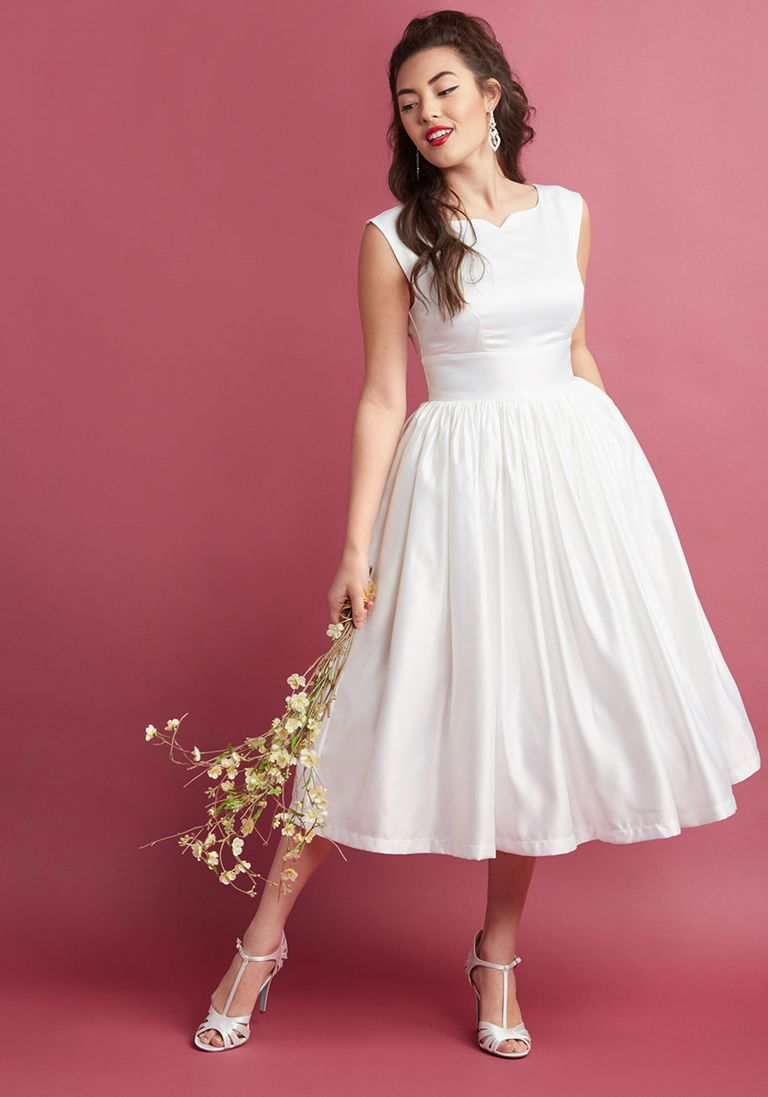 Fabulous Fit and Flare Dress with Pockets in White in XL