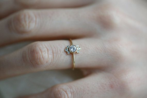 Round Diamond Ring 14k Or 18k Solid Gold 0 25 Carat Diamond Etsy Round Diamond Engagement Rings Dainty Diamond Ring 25 Carat Diamond Ring