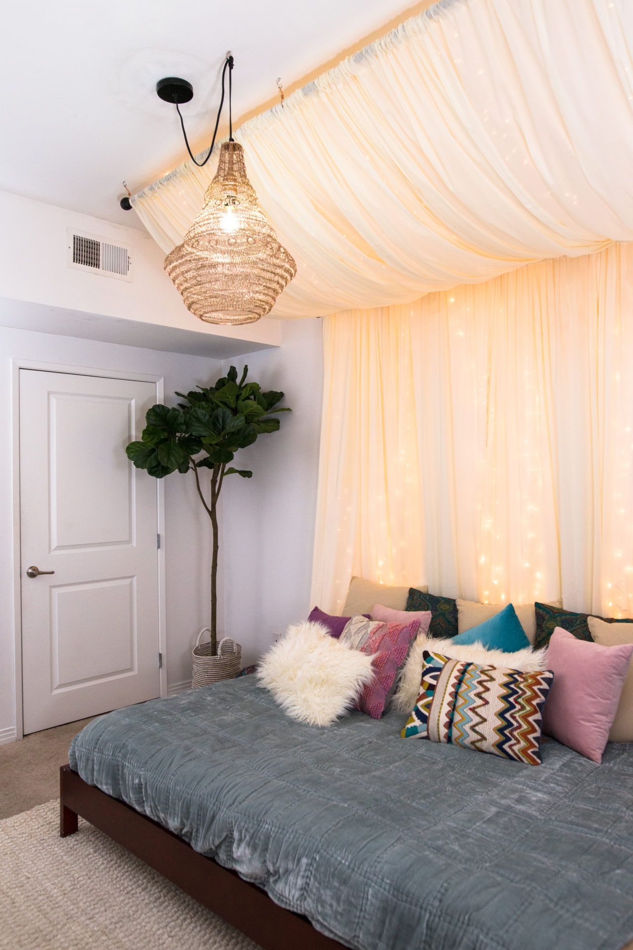 DIY Fairy Lights Canopy #lightbedroom