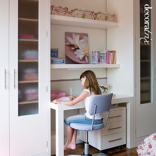 Escritorio infantil y femenino pinterest room for Recamaras con escritorio