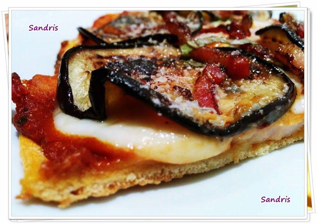 Pizza de berenjena hecha de dos formas diferentes