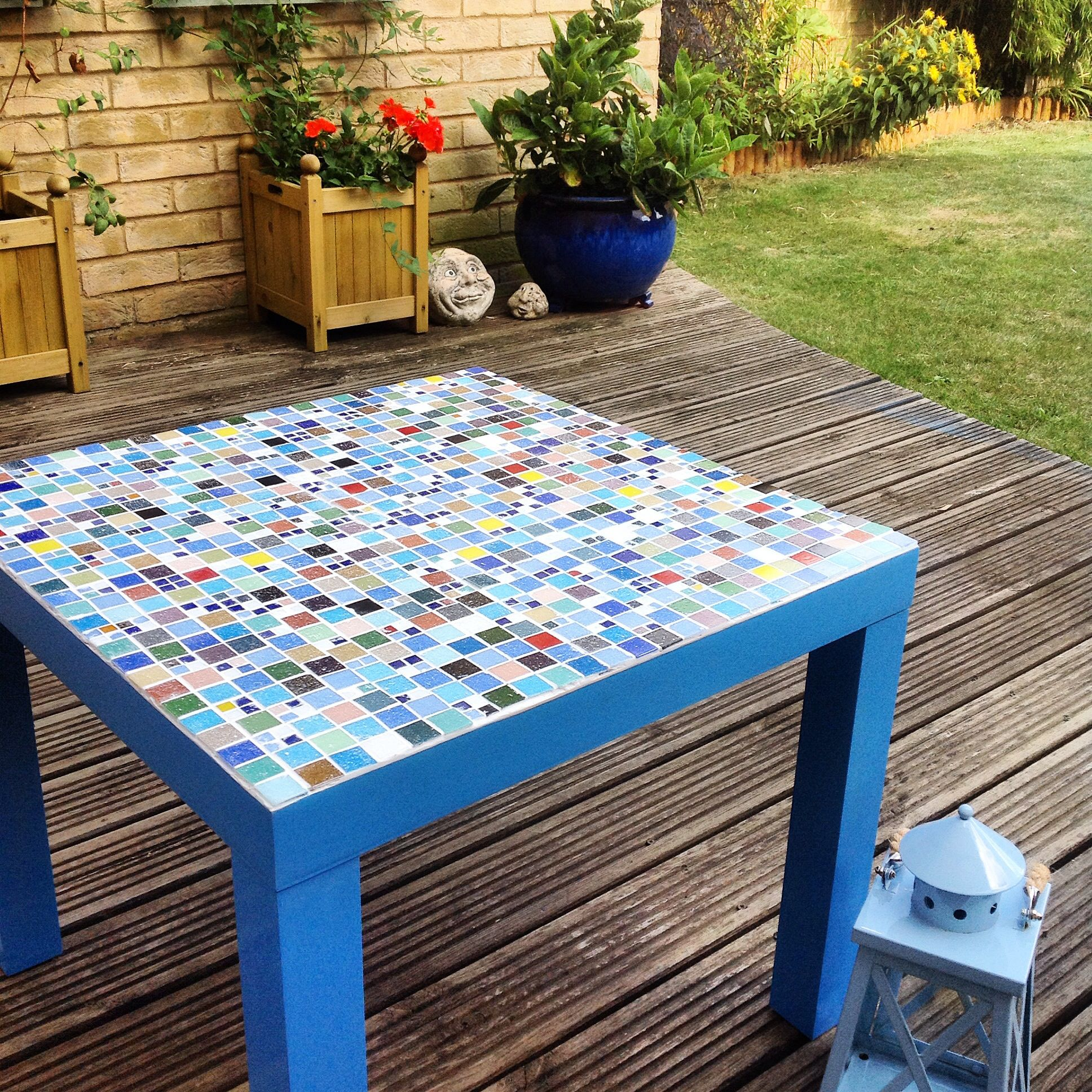Mosaic Table Take One Old Ikea Lack Table Mosaic The Top And Then Spray Paint The Sides And Legs Voila A New Garden Ikea Lack Table Lack Table Mosaic Table [ 1936 x 1936 Pixel ]